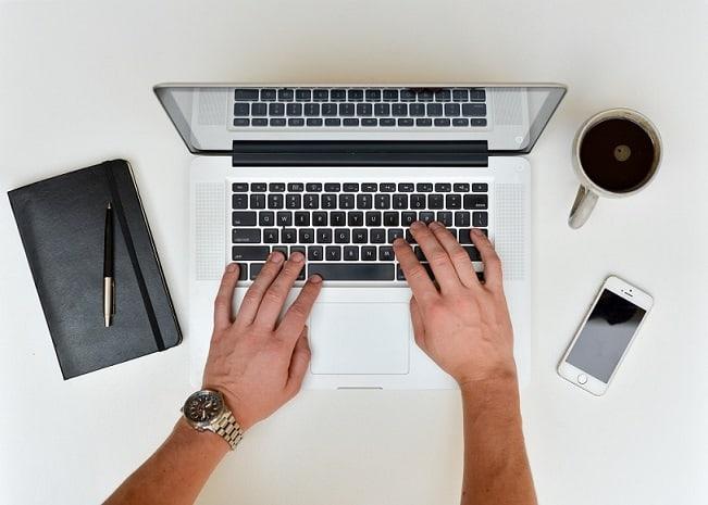 Como enviar um currículo por email